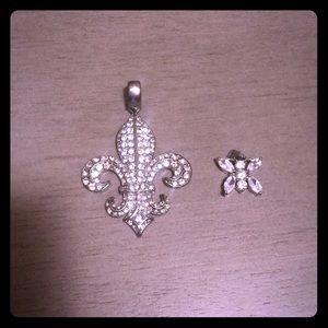 Shiny Silver Like Necklace Pendants